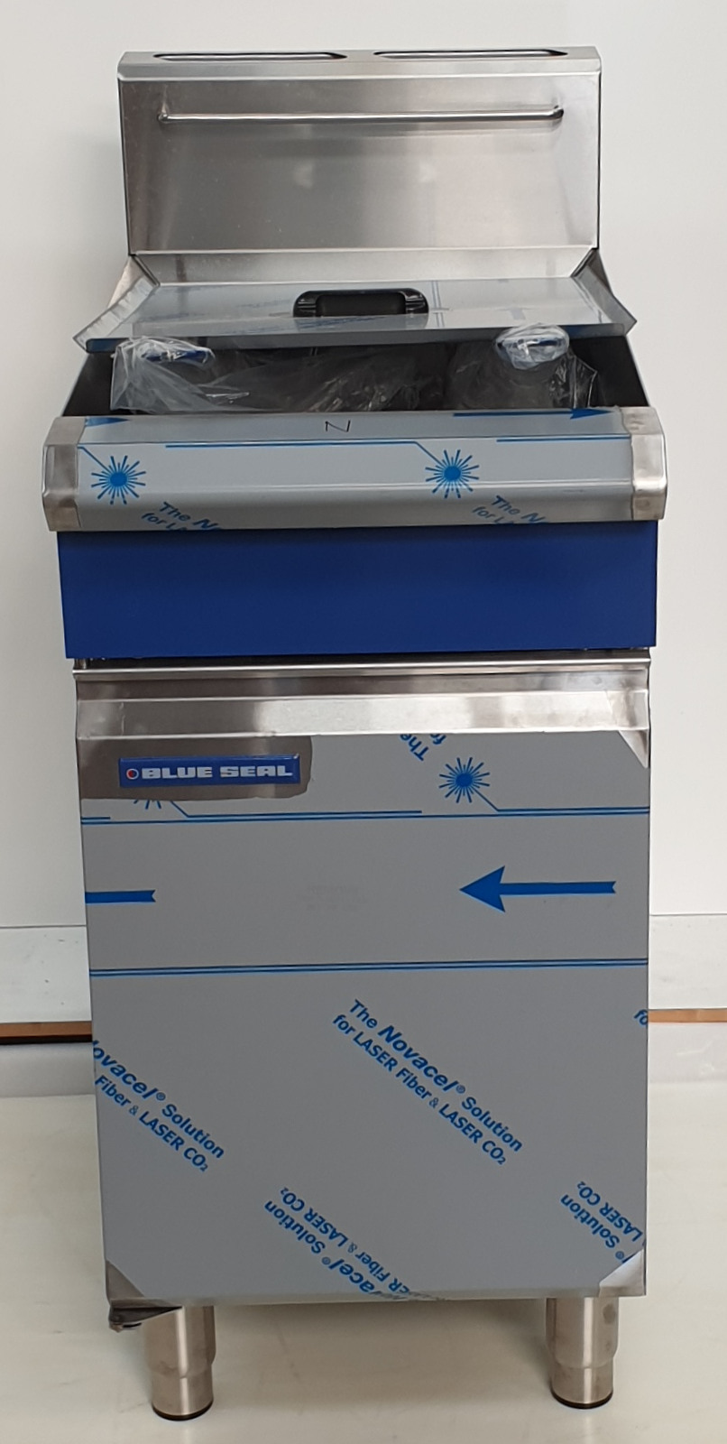 Blue Seal GT46 Twin Tank Deep Fryer - Nat Gas - New - $3548 + GST